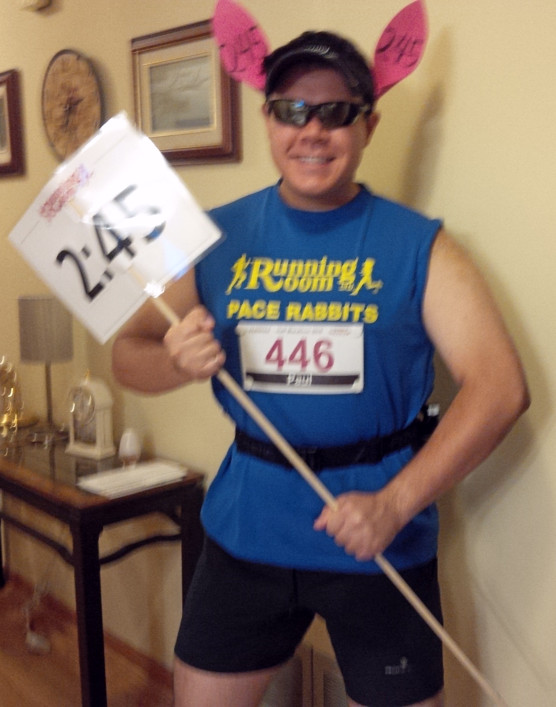 Baring my arms before in my pacing gear before the Oakville Half-Marathon 2015